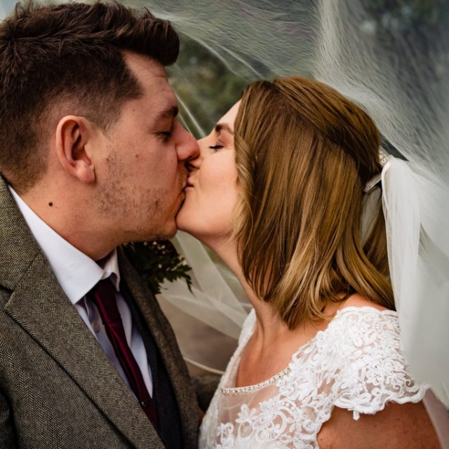 chesterfield wedding photographer, derbyshire wedding photographer, candid wedding photographer, documentary pictures, cheap wedding photographer, wedding photographer near me